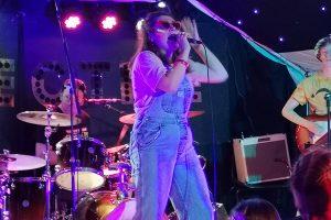 Lovin' The 90s - Lead singer Emily